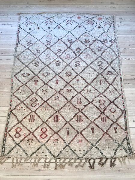 BENI OUARAIN VINTAGE MAMOUSHA - SADIRA 242 x 166